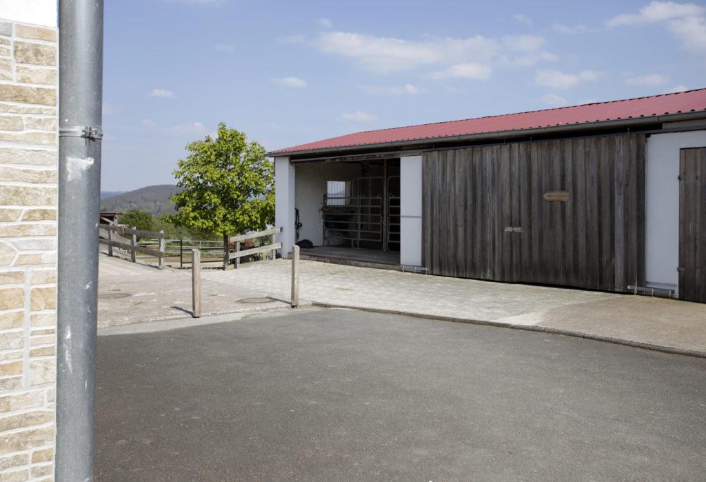 Stallungen 2