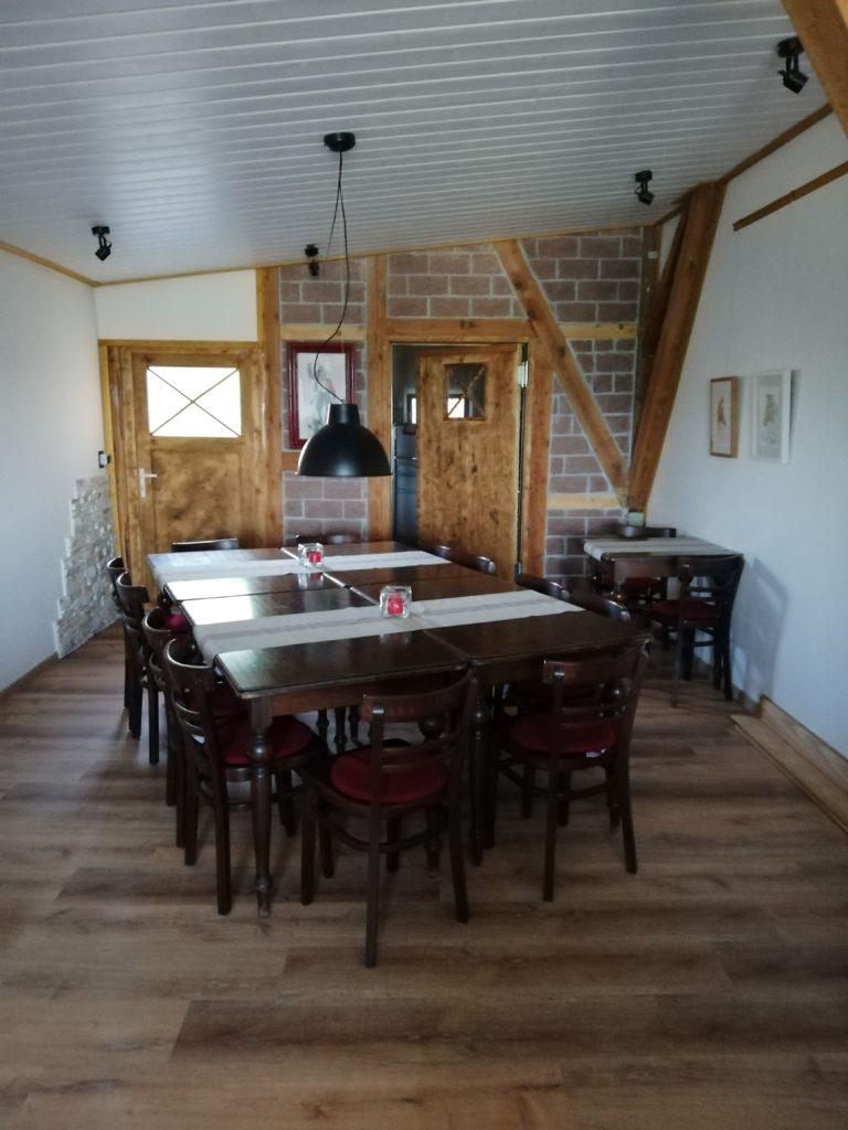 Saloon mit Küche